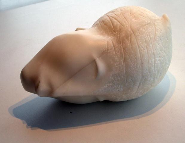 Caprice-beeld-carra-marmer